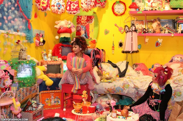 6DokiDoki-Popples-Room-02-2010-021-600x398 (1)